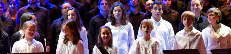 L'Esquellerinc de l'Agrupació Cor Madrigal en un concert amb els cors de l'Agrupació