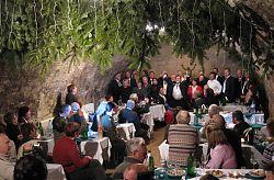 Cant comú sobre el sopar de comiat a Klosterneuburg.